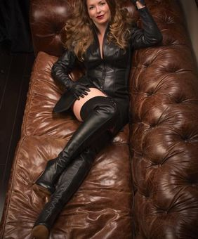 Gloves t leather watching mistress explain tight