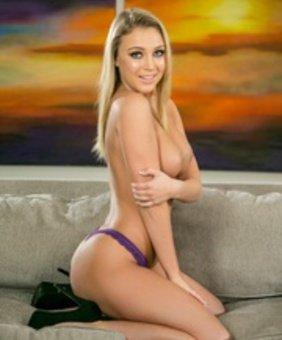 Zoey Taylor VR Pornstar