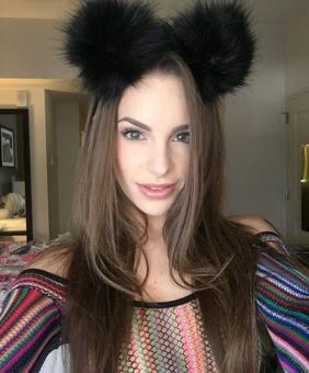 Kimmy Granger VR Model