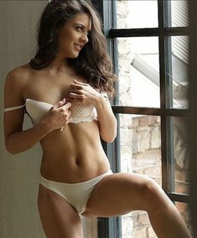 Carolina Abril VR Model