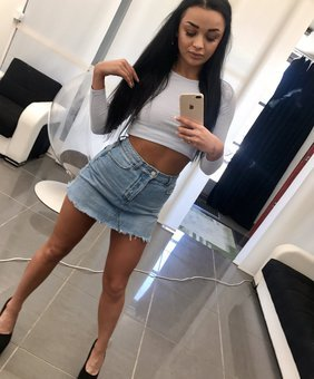 Daphne Klyde VR Pornstar