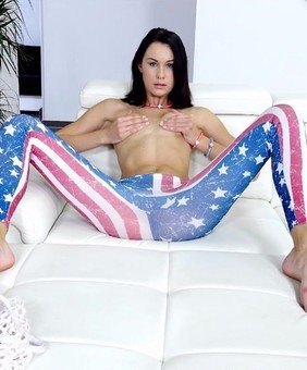 Nikki Stills VR Pornstar